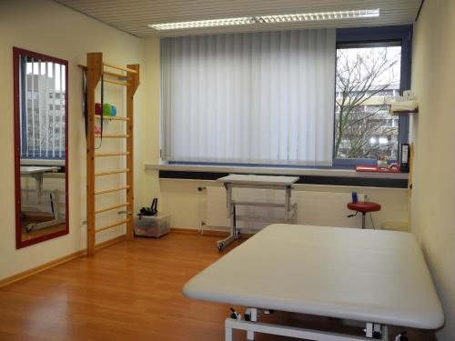 Praxis Laatzen - Raum 1 - Behandlungsraum für Erwachsene